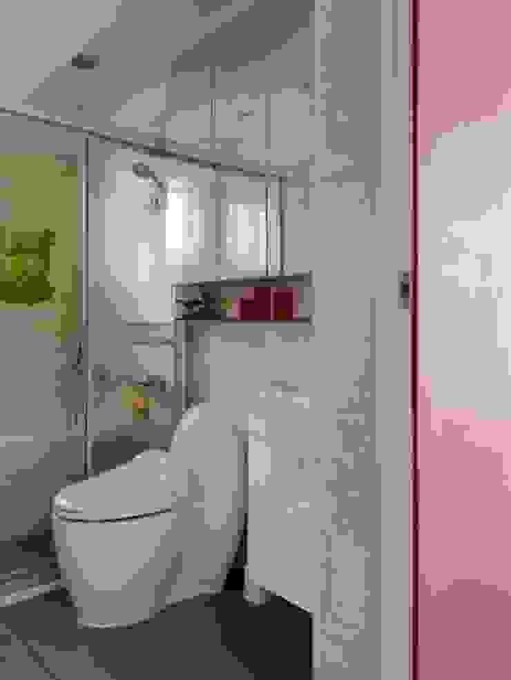 浪漫小屋 現代浴室設計點子、靈感&圖片 根據 誼軒室內裝修設計有限公司 現代風 磁磚