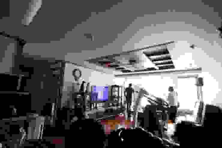 [홈라떼] 인천 32평 오래된 빌라, 모던한 홈스타일링 모던스타일 거실 by homelatte 모던