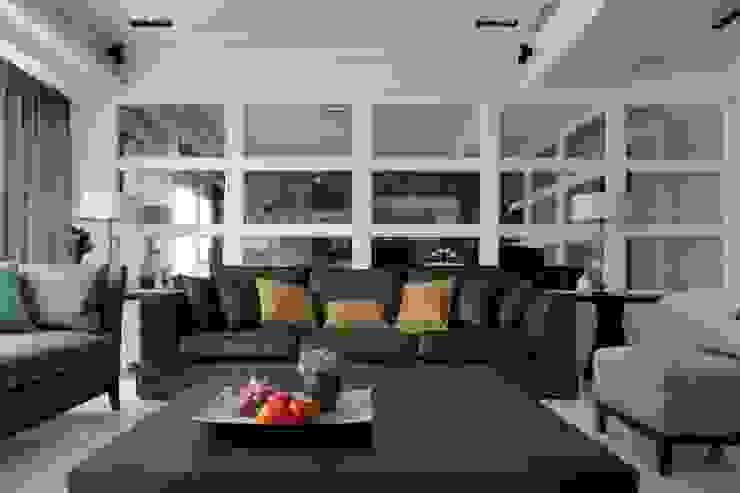 現代英倫風 根據 誼軒室內裝修設計有限公司 古典風 實木 Multicolored
