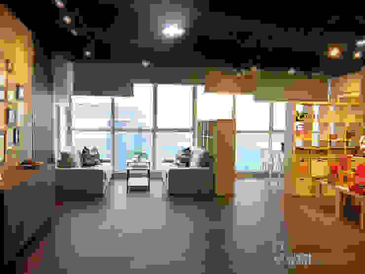 展廳D區: 現代  by 以恩設計, 現代風