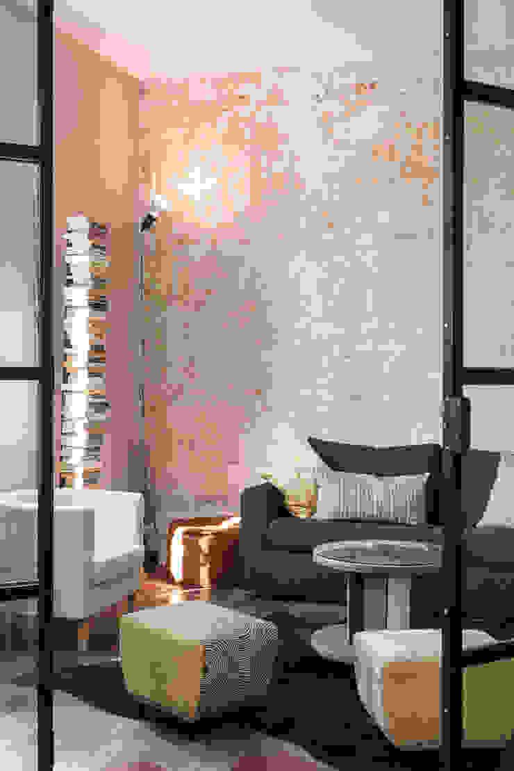Caterina Raddi Industrial style living room