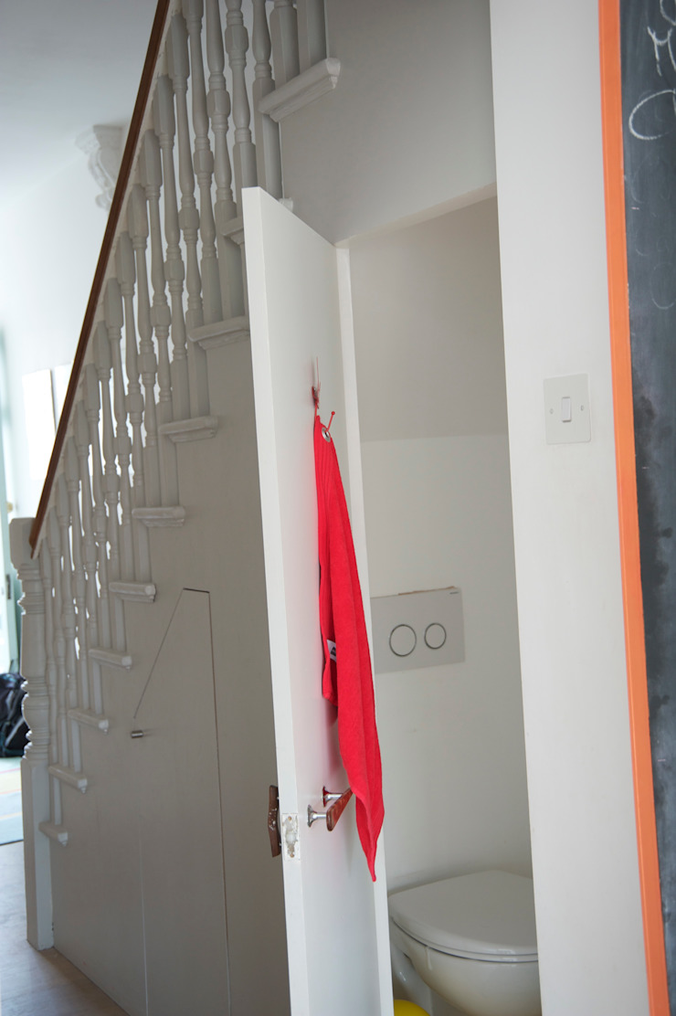 Toilet Modern Corridor, Hallway and Staircase by A2studio Modern
