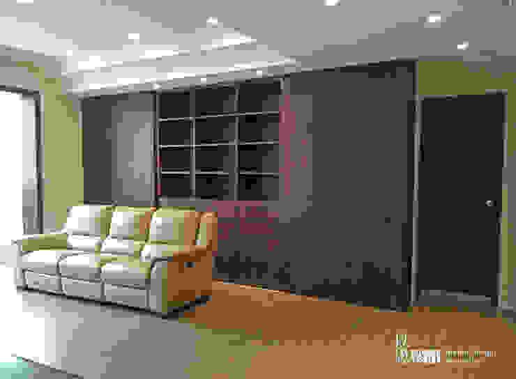 客廳書櫃 现代客厅設計點子、靈感 & 圖片 根據 以恩室內裝修設計工程有限公司 現代風