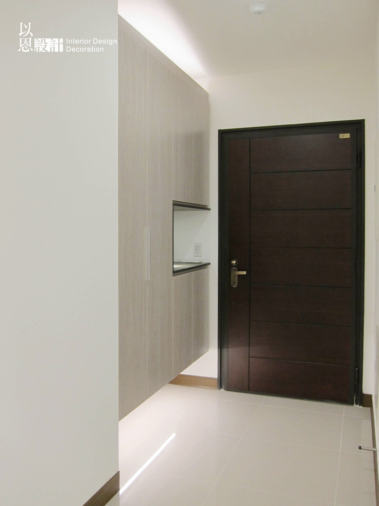 玄關 現代風玄關、走廊與階梯 根據 以恩設計 現代風
