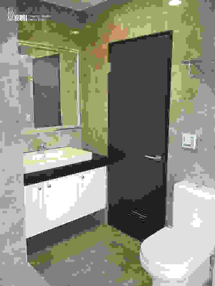主臥衛浴 現代浴室設計點子、靈感&圖片 根據 以恩設計 現代風