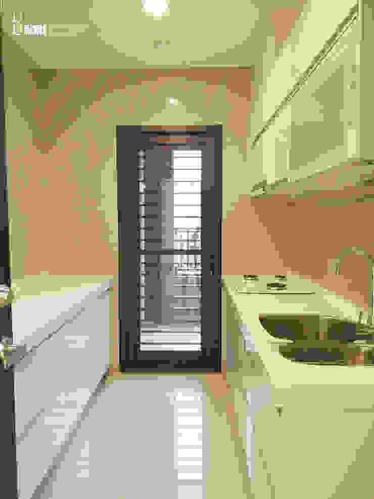 廚房 現代廚房設計點子、靈感&圖片 根據 以恩設計 現代風
