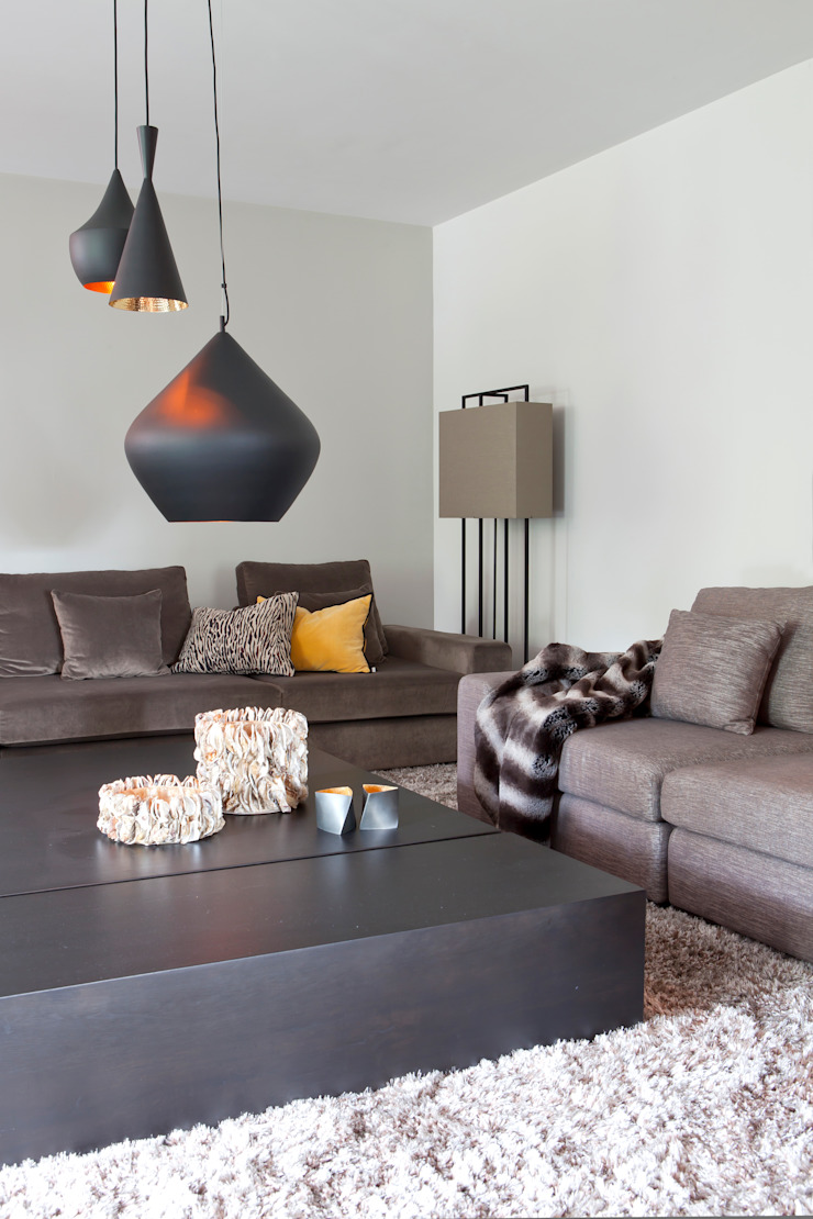 Salas de estar modernas por Ilse Damhuis Stijlvol Wonen Moderno