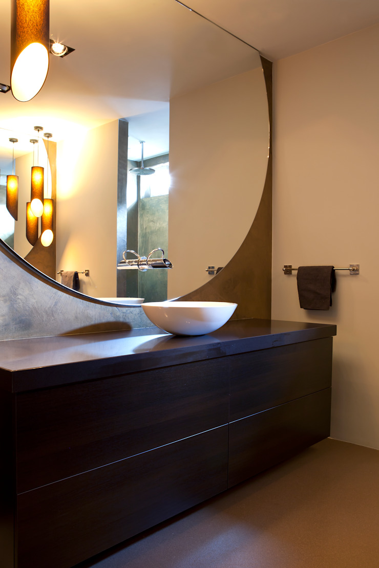 Casas de banho modernas por Ilse Damhuis Stijlvol Wonen Moderno
