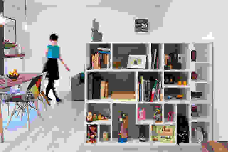Scandinavian style corridor, hallway& stairs by All Arquitectura Scandinavian