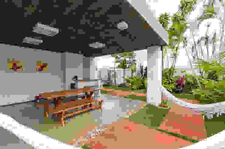 Casas modernas de Diego Alcântara - Studio A108 Arquitetura e Urbanismo Moderno Concreto