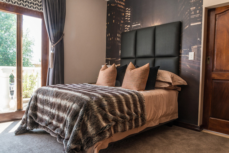 Masculine Colour Scheme:  Bedroom by Carne Interiors,