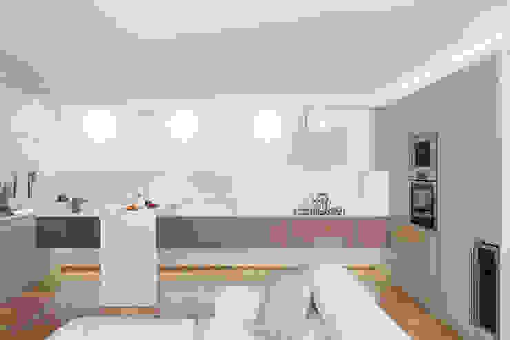 Cocinas modernas: Ideas, imágenes y decoración de manuarino architettura design comunicazione Moderno Vidrio