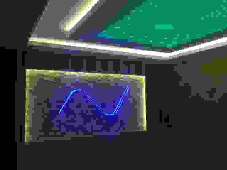 Modern Corridor, Hallway and Staircase by Ünsal Yapı ve Dekorasyon Modern