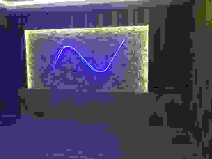 Modern Pool by Ünsal Yapı ve Dekorasyon Modern