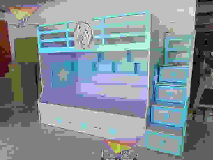 Hermosa litera juvenil con caballo de camas y literas infantiles kids world Moderno Derivados de madera Transparente