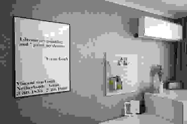 [홈라떼] 양평동 32평 아파트 전세집 홈스타일링 모던스타일 침실 by homelatte 모던