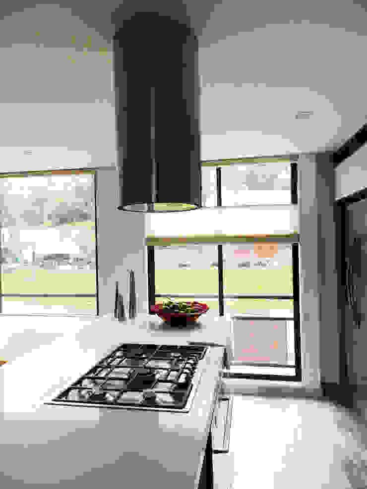 Apartamento Circunvalar Cocinas modernas de BIANCO Moderno Cuarzo