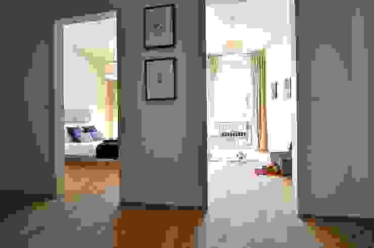 Maritim und männlich Karin Armbrust - Home Staging Industrialer Flur, Diele & Treppenhaus
