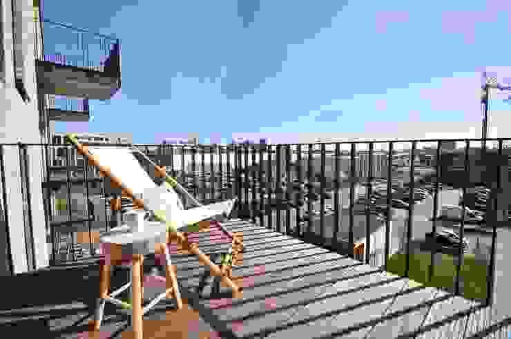 Karin Armbrust - Home Staging Balcones y terrazas de estilo industrial