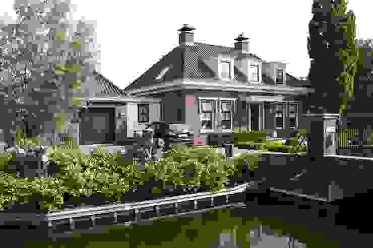 Nieuwbouw vrijstaande woning:  Huizen door De Stijl atelier voor bouwkunst, Klassiek