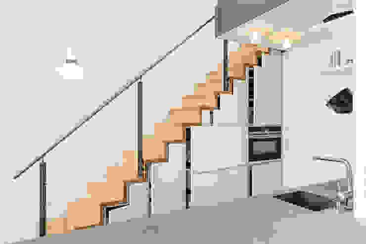 現代廚房設計點子、靈感&圖片 根據 Carola Augustin Innenarchitektur 現代風