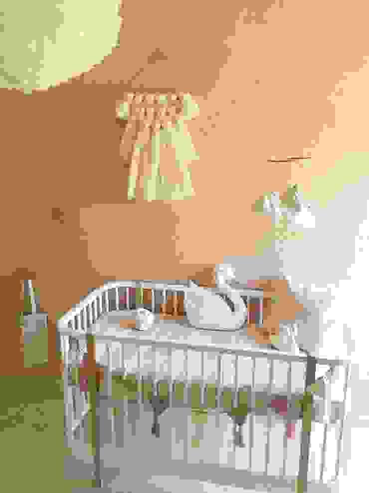 Skandinavische Kinderzimmer von TocToc Skandinavisch