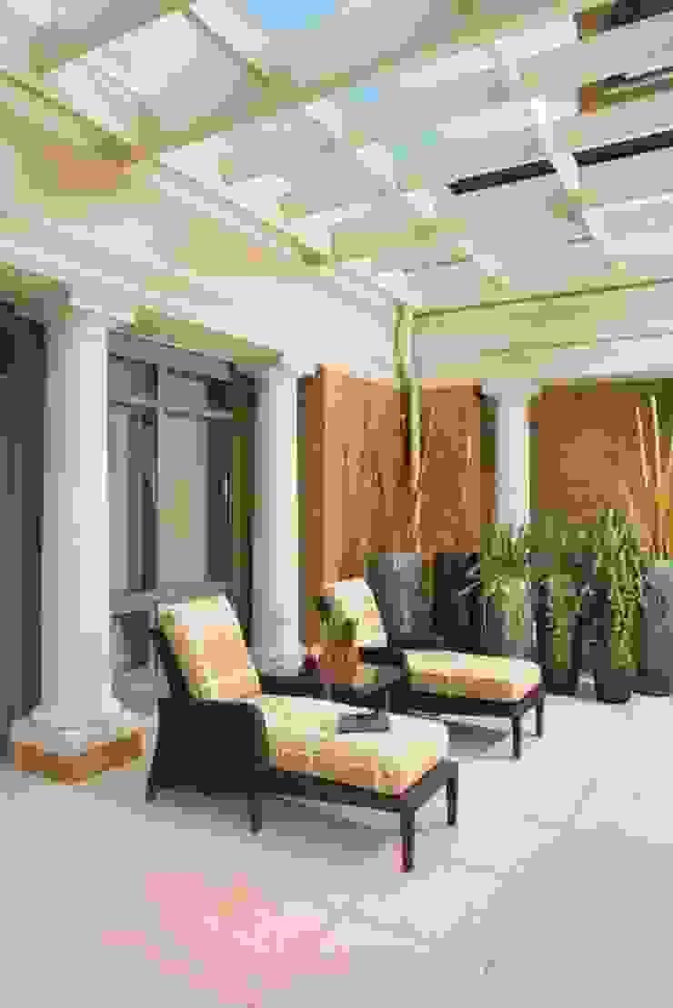Penthouse Posh - Terrace Lounge Modern Terrace by Lorna Gross Interior Design Modern