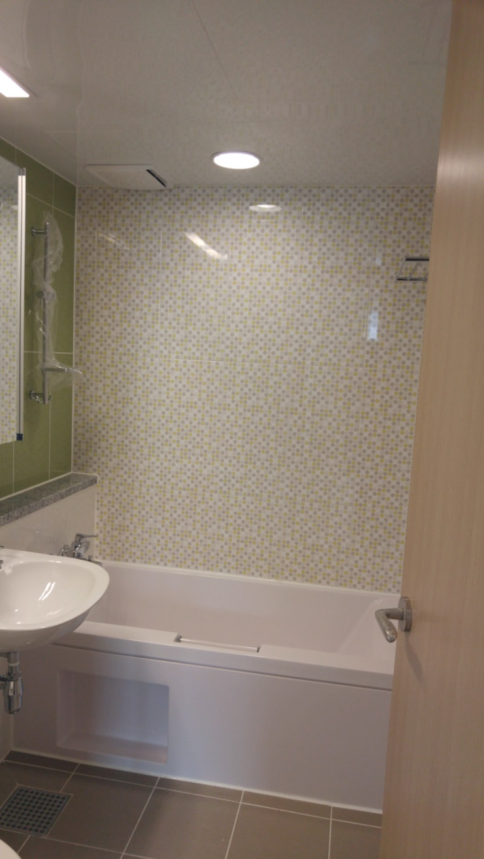 Modern bathroom by homelatte Modern