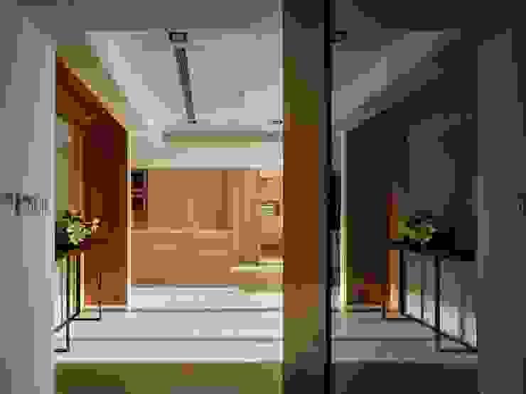 墐桐空間美學 Ingresso, Corridoio & Scale in stile classico