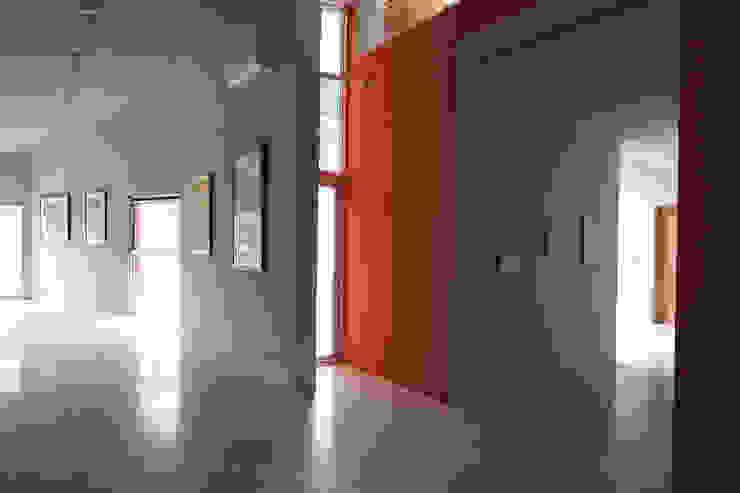 合院之家室內藝廊空間 根據 哈塔阿沃設計 hataarvo design 簡約風