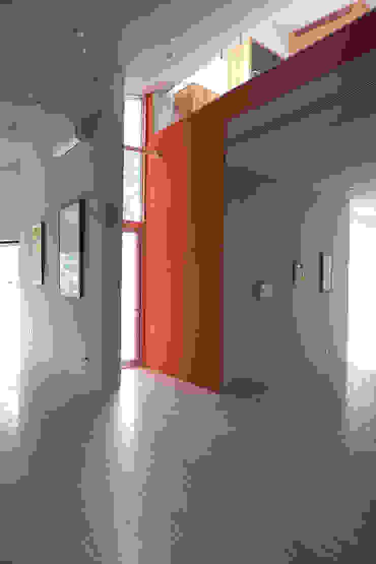 合院之家藝廊空間 根據 哈塔阿沃設計 hataarvo design 簡約風