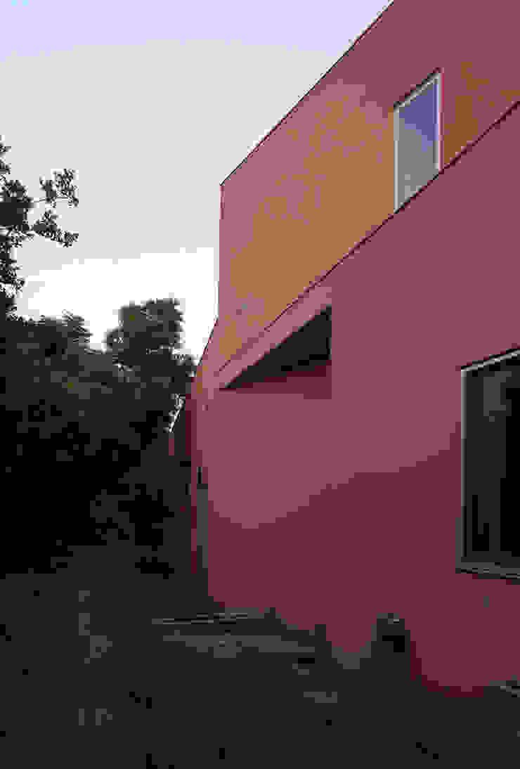 合院之家北側外觀 根據 哈塔阿沃設計 hataarvo design 簡約風