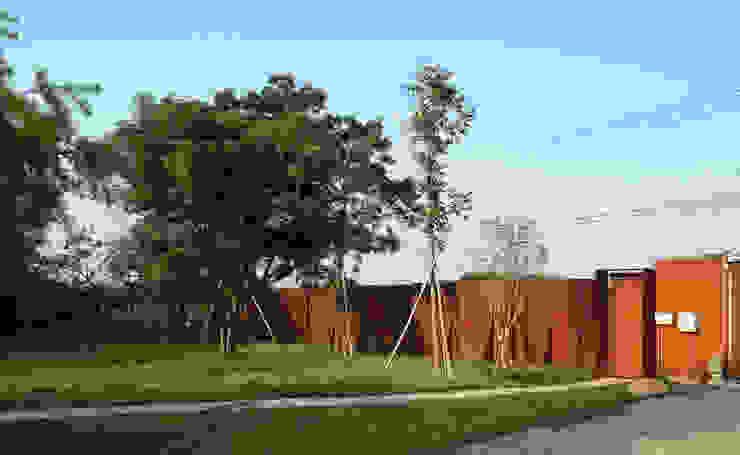 合院之家鏽鐵圍牆 根據 哈塔阿沃設計 hataarvo design 簡約風