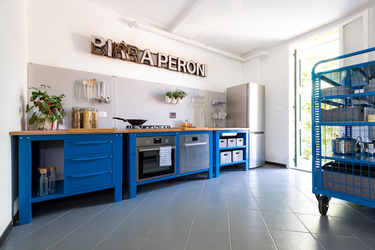 Cozinhas industriais por Riccardo Randi Industrial Metal