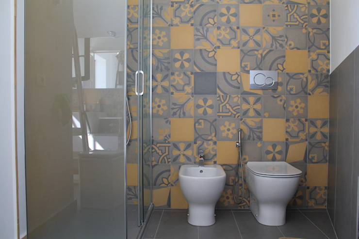 Eclectic style bathroom by Romano pavimenti Eclectic