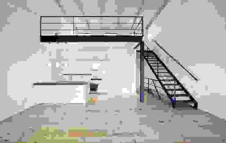 studio 3 with loft by Till Manecke:Architect Minimalist