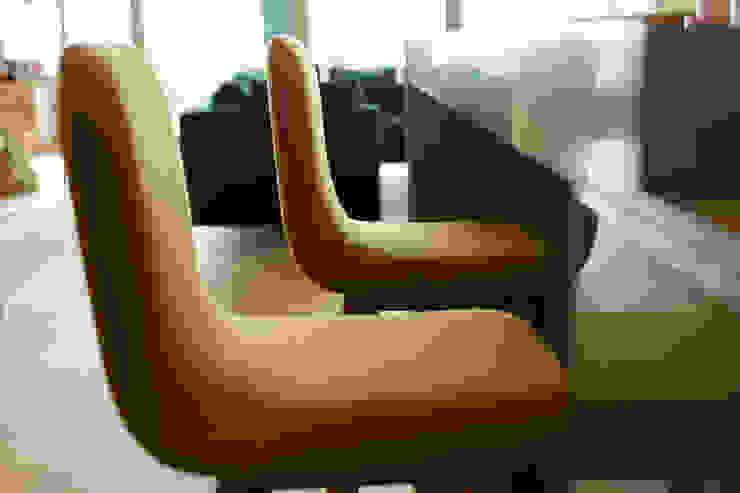 MERVE KAHRAMAN PRODUCTS & INTERIORS مطبخطاولات وكراسي Yellow