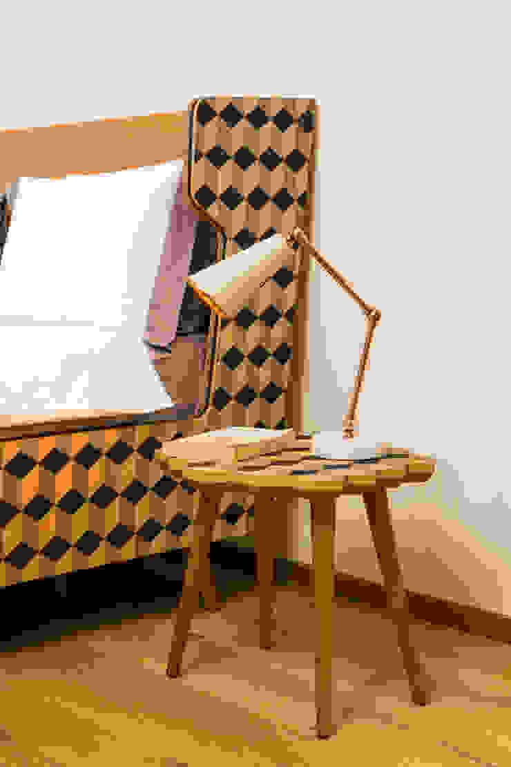 MERVE KAHRAMAN PRODUCTS & INTERIORS غرفة نوم خشب Multicolored
