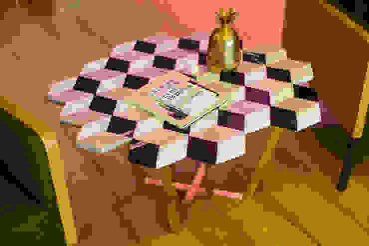 MERVE KAHRAMAN PRODUCTS & INTERIORS غرفة المعيشةطاولات جانبية و صواني رخام Multicolored