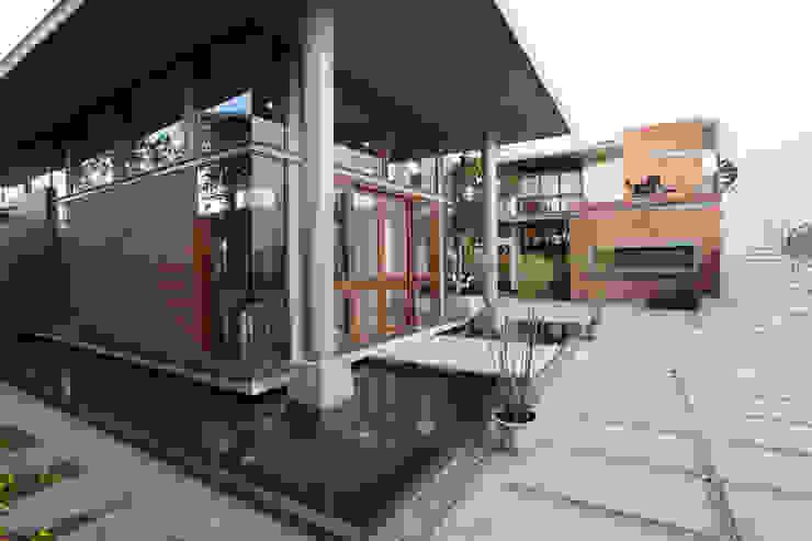 Casas asiáticas de STUDIO MOTLEY Asiático
