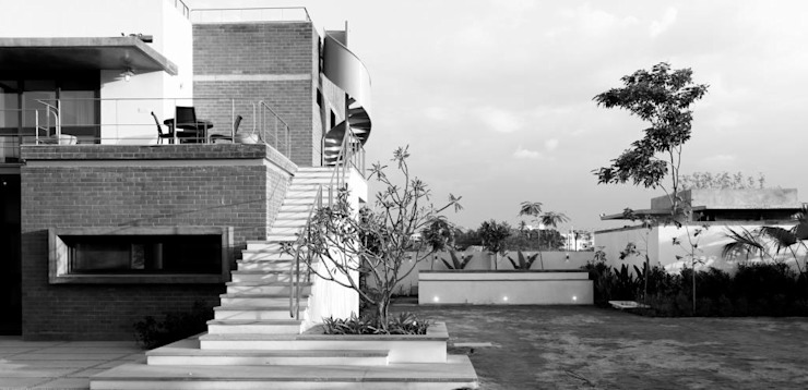 Shah Residence Asian style houses by STUDIO MOTLEY Asian