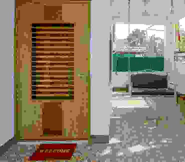 Shah Parivar Bungalow Modern corridor, hallway & stairs by ZEAL Arch Designs Modern
