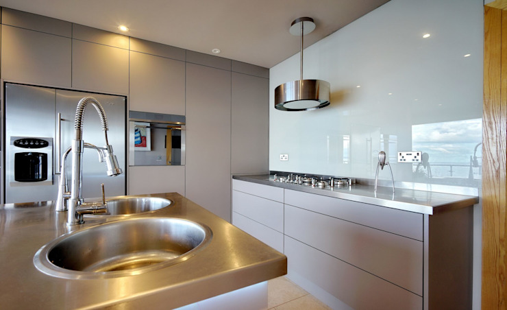 Kitchen by ADORNAS KITCHENS