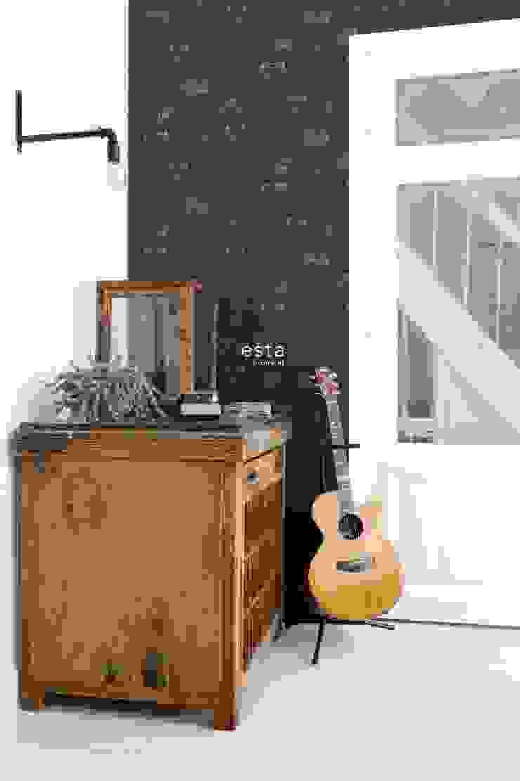 krijtverf vliesbehang polaroid camera's zwart en glanzend goud van ESTAhome.nl Industrieel