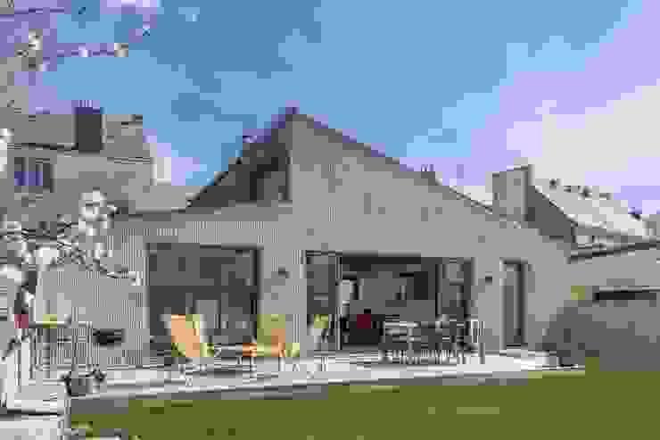 bertin bichet architectes Industrial style windows & doors