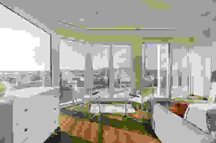 Appartamento Privato Soggiorno moderno di Officina29_ARCHITETTI Moderno Legno Effetto legno