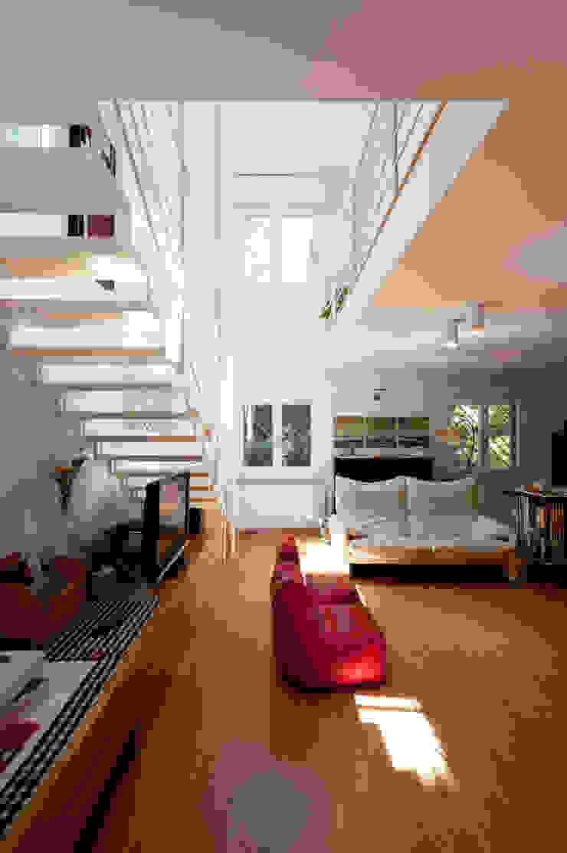 Lumen House Soggiorno moderno di Officina29_ARCHITETTI Moderno