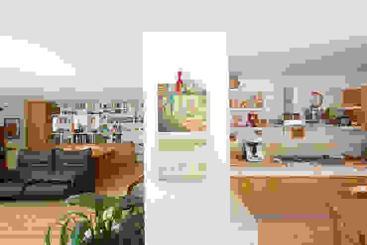 Lumen House Cucina moderna di Officina29_ARCHITETTI Moderno