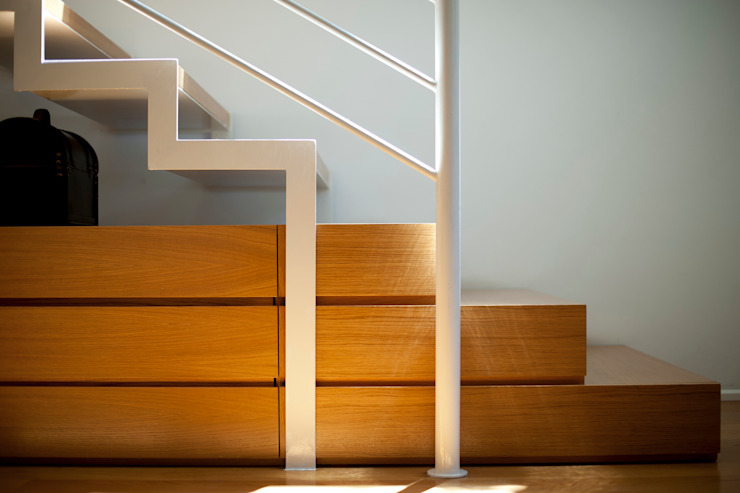 Lumen House Ingresso, Corridoio & Scale in stile moderno di Officina29_ARCHITETTI Moderno