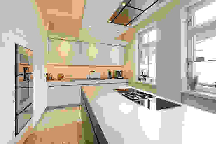 Arbeitsfläche - Küche:  Küche von Klocke Möbelwerkstätte GmbH,Minimalistisch